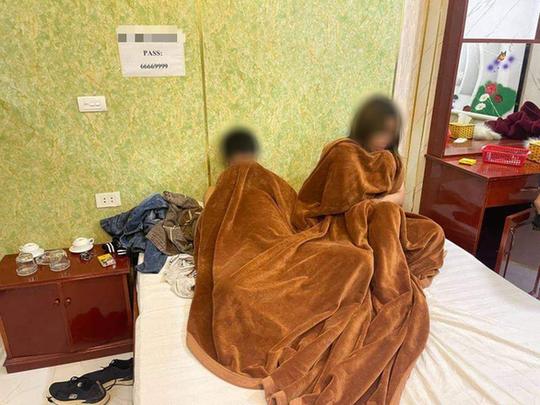Chủ nhà nghỉ môi giới mại dâm cắt phế 100.000 đồng/lượt - Ảnh 1.