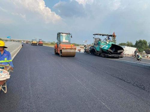 Cao tốc Trung Lương - Mỹ Thuận đang về đích - Ảnh 1.