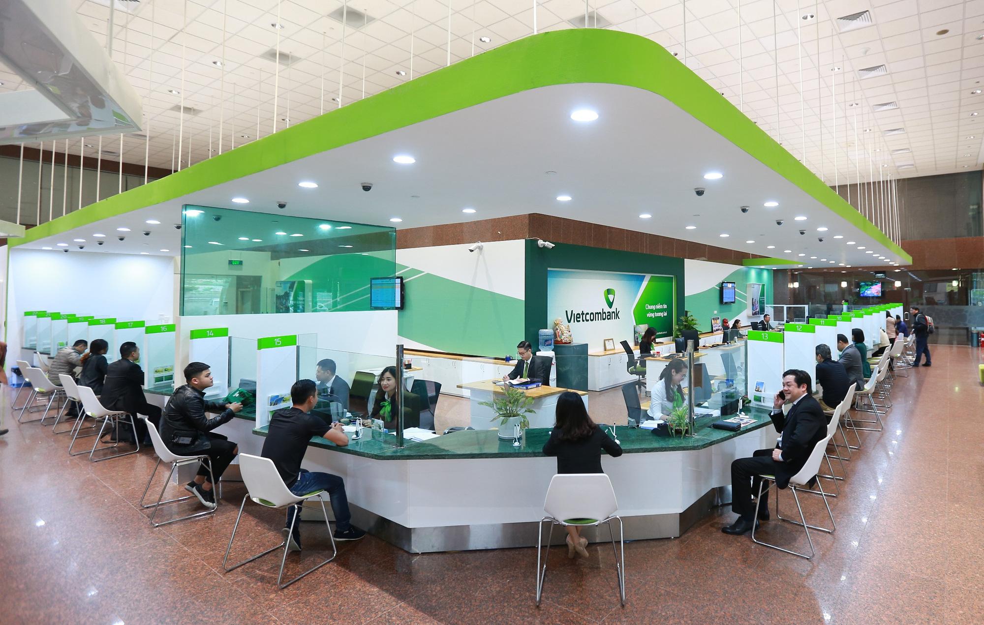 Vietcombank bất ngờ giảm lãi suất huy động thấp nhất chỉ còn 2,9%/năm - Báo  Người lao động