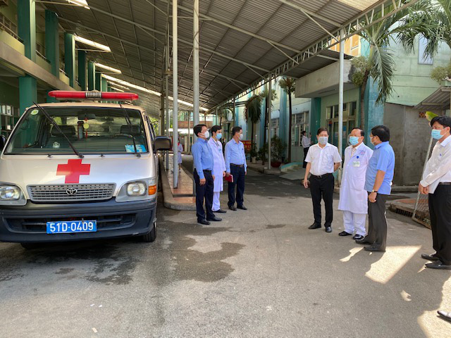 Quận Bình Tân tiếp nhận và theo dõi 1.024 trường hợp đến từ vùng dịch - Ảnh 1.