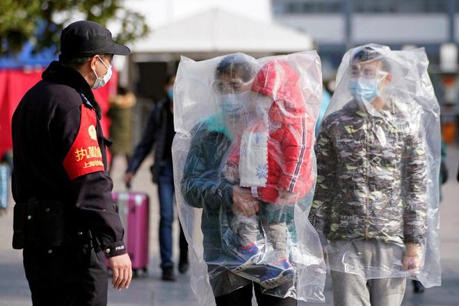 Trung Quốc cách chức, phạt hàng trăm quan chức giữa bùng phát virus corona - Ảnh 2.