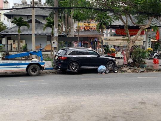 Khởi tố, bắt tạm giam tài xế tông chết người gần sân bay Tân Sơn Nhất - Ảnh 1.