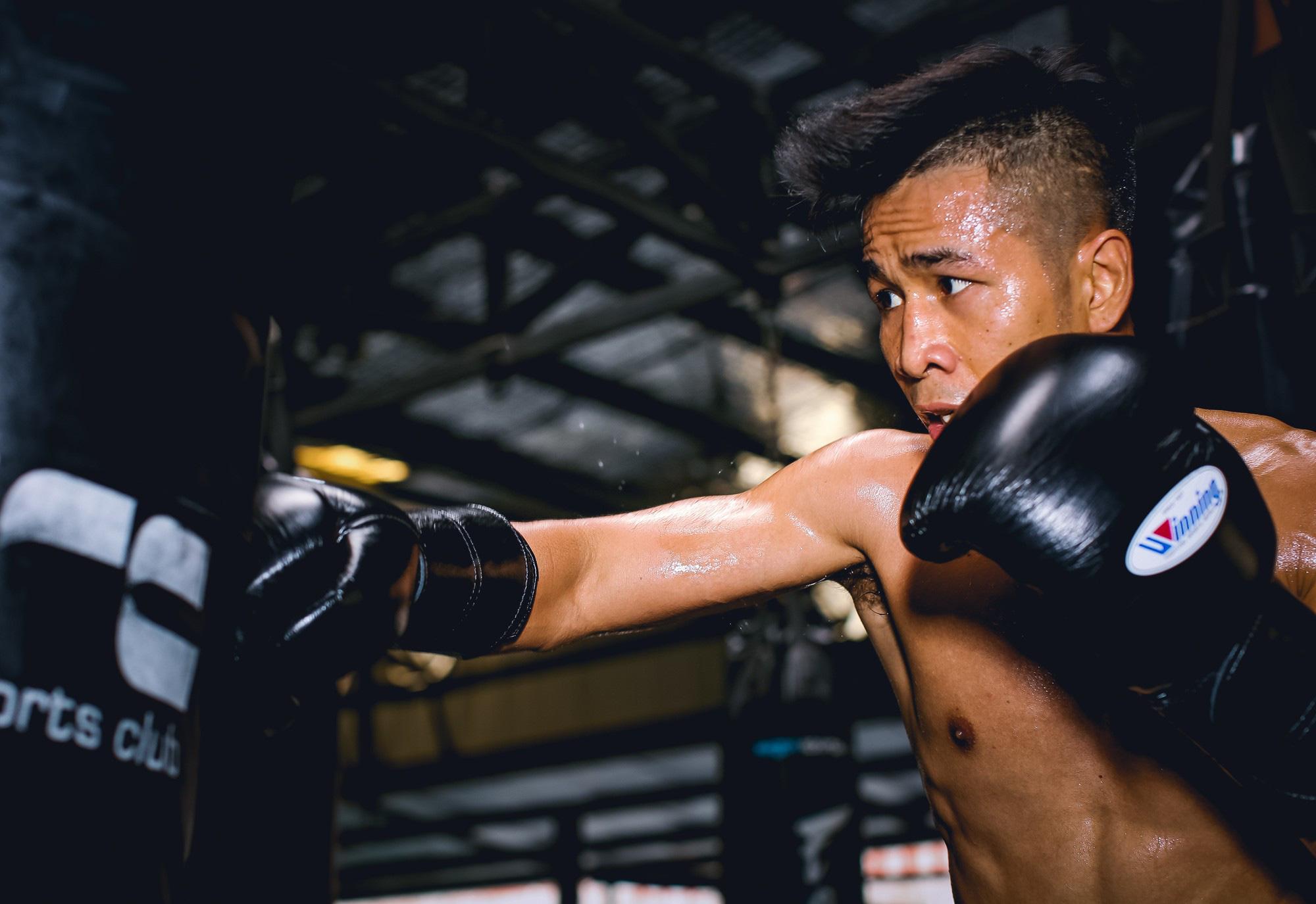 Nhà vô địch quyền anh châu Á Trần Văn Thảo bị hạ  bởi cô gái Vũng Tàu - Ảnh 2.