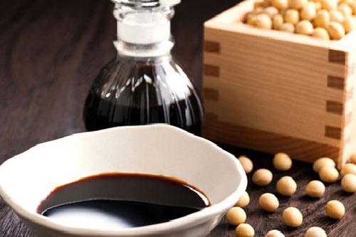 Ăn nhiều xì dầu có khiến da bạn đen hơn? | Phụ nữ - Báo Người Lao Động