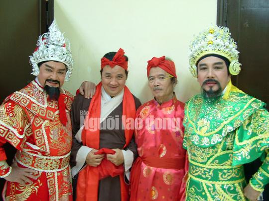 Minh Vương, Bạch Tuyết, Ngọc Giàu, Lệ Thủy thương tiếc đạo diễn Huỳnh Nga - Ảnh 1.