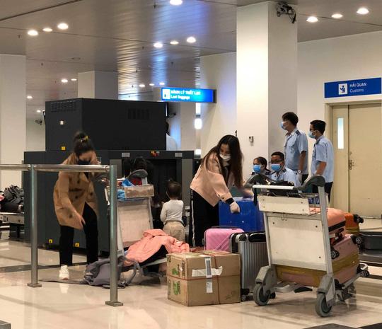 Thanh Hóa, Cần Thơ, Kiên Giang cách ly 25 người trở về từ Daegu, Hàn Quốc - Ảnh 4.