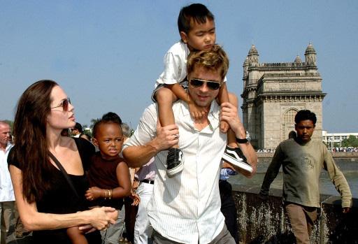 Brad Pitt nỗ lực làm lành với con trai nuôi? - Ảnh 4.