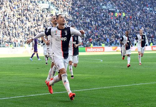 Cristiano Ronaldo 35 hay 25 tuổi? - Ảnh 1.