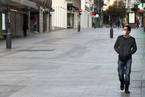 Covid-19:Tây Ban Nha thành điểm nóng mới - Ảnh 1.