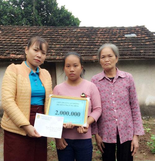 Hà Nội: Trên 22 triệu đồng hỗ trợ đoàn viên khó khăn - Ảnh 1.