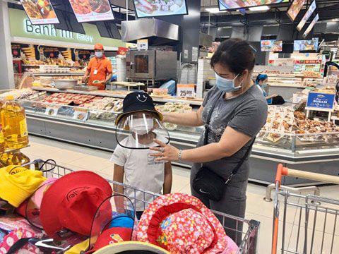 Nón chống dịch Covid-19 bán tại siêu thị có gì đặc biệt? - Ảnh 1.