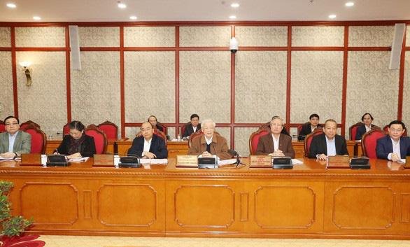 Bộ Chính trị kêu gọi đoàn kết một lòng chống dịch Covid-19 - Ảnh 1.