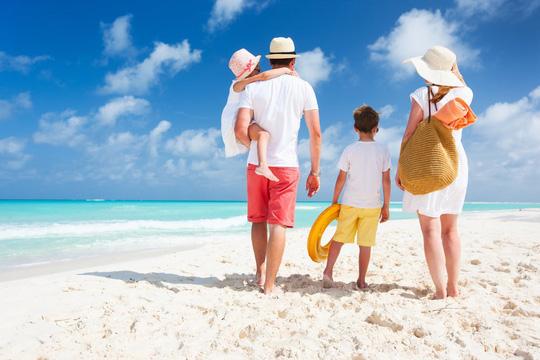 Hình thức du lịch nào phù hợp với các gia đình? - Ảnh 1.