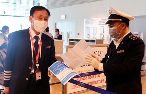 Rà soát lao động phục vụ trên các tàu quốc tế có nguy cơ lây nhiễm Covid-19 - Ảnh 1.