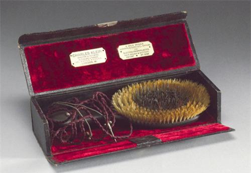 Tròn mắt xem các dụng cụ làm đẹp tóc thời xưa - Ảnh 4.