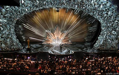 Nhiều giải thưởng điện ảnh thay đổi vì Covid-19 - Ảnh 1.