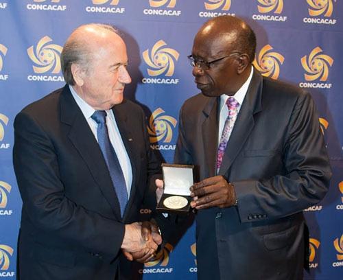 FIFA làm hỏng cả một thế hệ bóng đá - Ảnh 1.