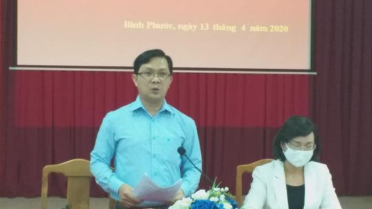 Tỉnh ủy Bình Phước họp báo khẩn vụ Phó Chủ tịch HĐND huyện chống đối đo thân nhiệt - Ảnh 3.