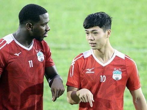 Hài hước chuyện Công Phượng, Xuân Trường, Minh Vương làm gia sư, dạy tiếng Việt cho cầu thủ ngoại - Ảnh 2.