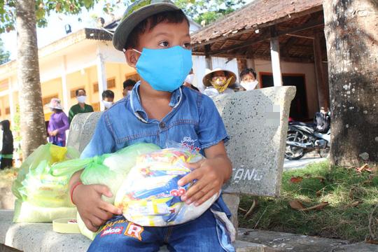 """""""ATM gạo"""" giúp mát lòng người nghèo vùng hạn mặn ở Cà Mau, Bạc Liêu và Kiên Giang - Ảnh 24."""