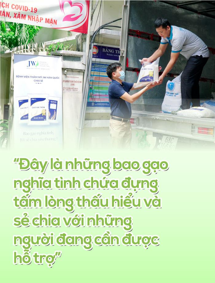 [eMagazine] - Tấm lòng người cầm lái Chuyến xe chia sẻ - Ảnh 10.