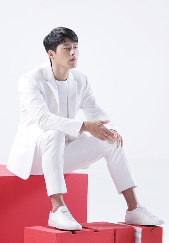 Hyun Bin gây sốt với loạt ảnh cũ - Ảnh 12.