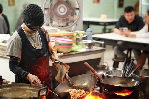 Street Food: Asian: Gợi nhiều cảm xúc - Ảnh 1.