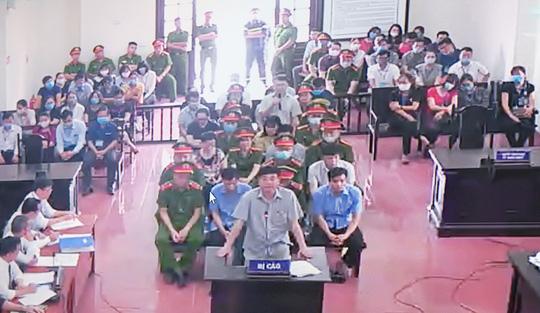 5 lãnh đạo cấp phòng ở Công an tỉnh Hòa Bình nhờ xem điểm cho con - Ảnh 1.