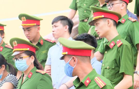 5 lãnh đạo cấp phòng ở Công an tỉnh Hòa Bình nhờ xem điểm cho con - Ảnh 3.