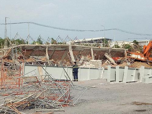 Tai nạn lao động: Sập công trình ở Đồng Nai, 10 người chết - Ảnh 1.