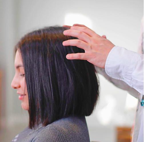 L'Oréal Professionnel chăm sóc tóc Tri ân các chiến sĩ blouse trắng - Ảnh 2.
