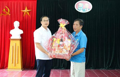Hỗ trợ xây nhà, tặng quà đoàn viên - lao động - Ảnh 1.