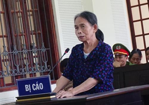 Bị cáo Phạm Thị Hường tại phiên tòa - Ảnh: H. Tây