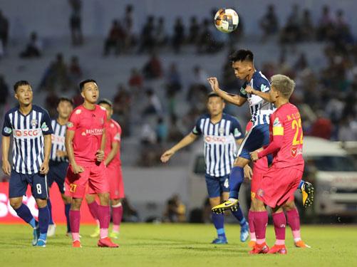 Bà Rịa - Vũng Tàu thắng Sài Gòn FC 2-1: Ấn tượng HLV Trần Minh Chiến - Ảnh 1.