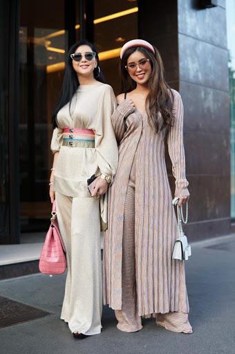 Tiên Nguyễn và mẹ khoe sắc vóc trong loạt váy áo hàng hiệu đắt đỏ - Ảnh 12.