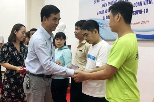 Đà Nẵng: Hỗ trợ đoàn viên - lao động khó khăn do dịch Covid-19 - Ảnh 1.