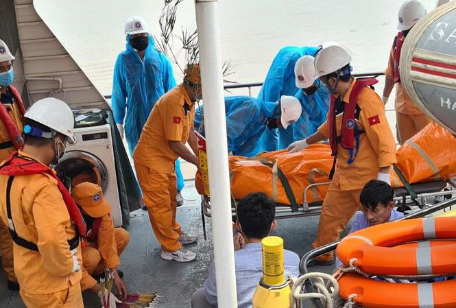 Thợ lặn tìm thấy thi thể 4 ngư dân mất tích trong vụ chìm tàu trên vùng biển Hải Phòng - Ảnh 1.