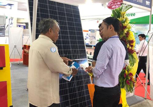 Điện mặt trời tại TP HCM tăng tốc - Ảnh 1.