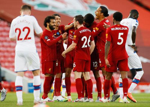 Liverpool vô địch, Ngoại hạng Anh sang trang mới - Ảnh 1.