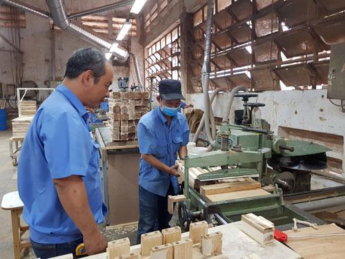 Hơn 6.000 công nhân được nâng bậc thợ - Ảnh 1.