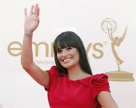 """Lea Michele bị """"ném đá"""" dù đã xin lỗi sau pha làm màu bài xích phân biệt chủng tộc - Ảnh 2."""