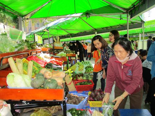Nhiều chợ phiên nông sản trở lại - Ảnh 1.