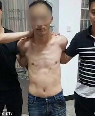 Trung Quốc: Xông vào siêu thị đâm chém làm 10 người thương vong - Ảnh 2.