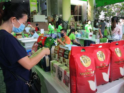 Lại lo bí đường xuất khẩu gạo - Ảnh 1.