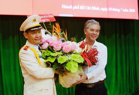 Phó Giám đốc Công an TP HCM Đinh Thanh Nhàn được thăng Thiếu tướng - Ảnh 2.
