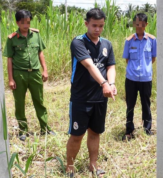Gã trai gọi chủ quán ra nhà vệ sinh hiếp dâm, cướp 250.000 đồng - Ảnh 1.