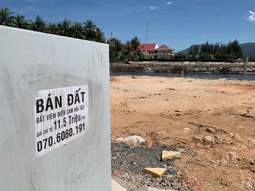 San lấp đầm để bán đất nền ở ven đầm Thủy Triều - Ảnh 1.