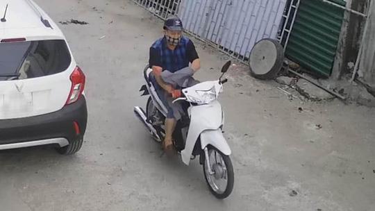 Chân dung nghi phạm chặn xe máy đâm người phụ nữ tử vong tại chỗ - Ảnh 3.
