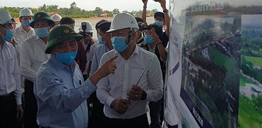 Thủ tướng kiểm tra dự án cao tốc Trung Lương - Mỹ Thuận - Ảnh 4.