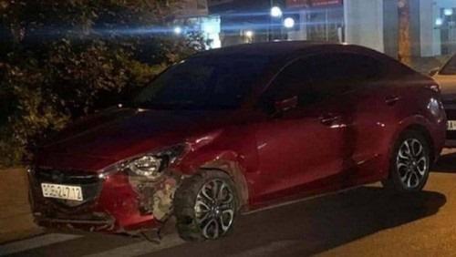 Tìm thấy ôtô húc văng 7 xe máy đang dừng đèn đỏ rồi bỏ chạy - Ảnh 1.